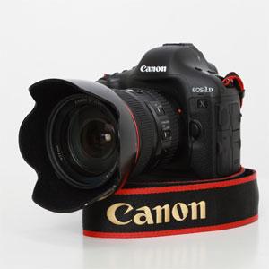 使用カメラ キャノンD1X